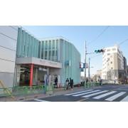 中野富士見町駅周辺には、ファミ